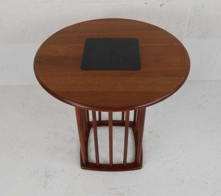 Mid-Century Modern Midcentury Walnut Side Table For Sale