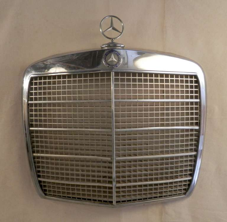 Classic mercedes benz grill for sale at 1stdibs for Mercedes benz grille