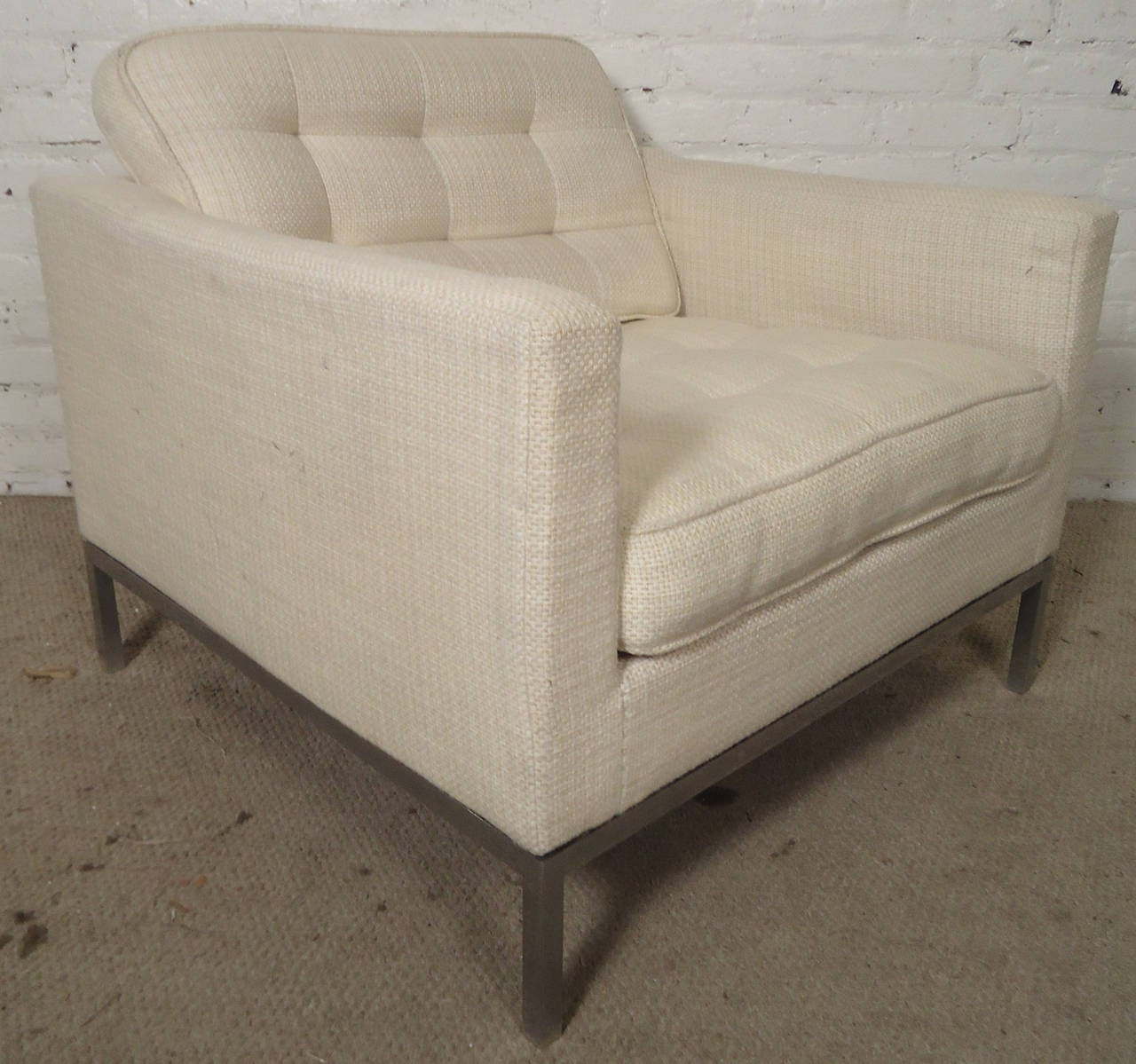 Mid-20th Century Mid-Century Pair of Upholstered Armchairs by Knoll Associates For Sale