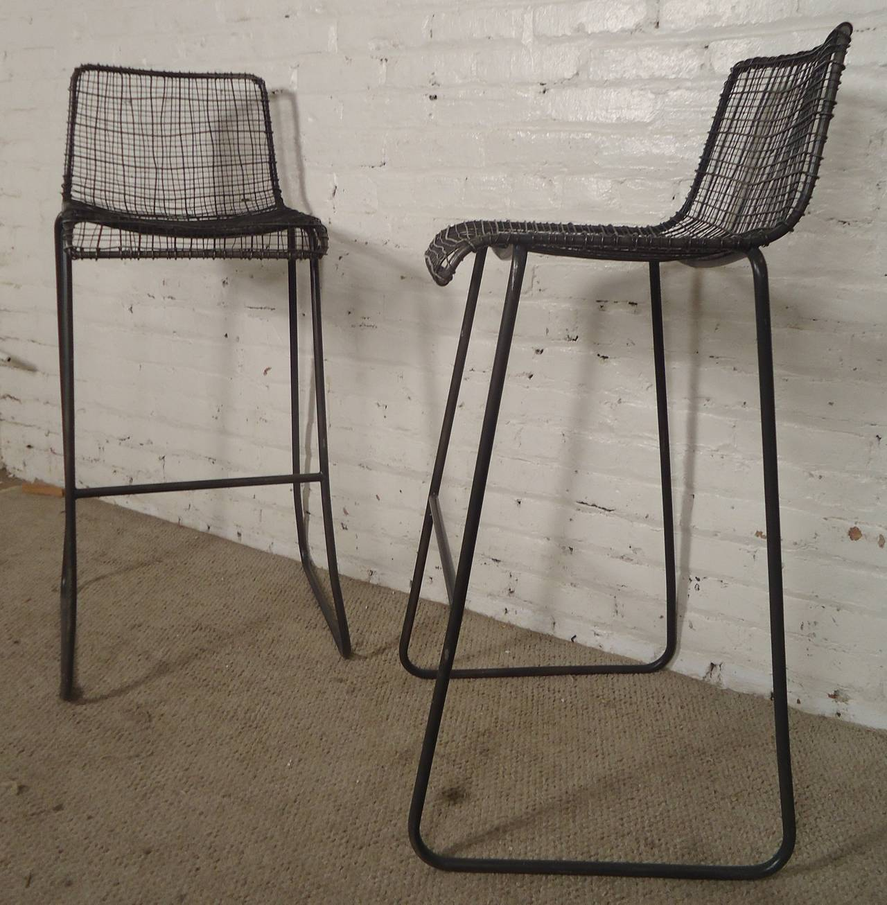 Exceptional 20th Century Handsome Pair Of Modern Woodard Style Reed Zinc Stools For Sale