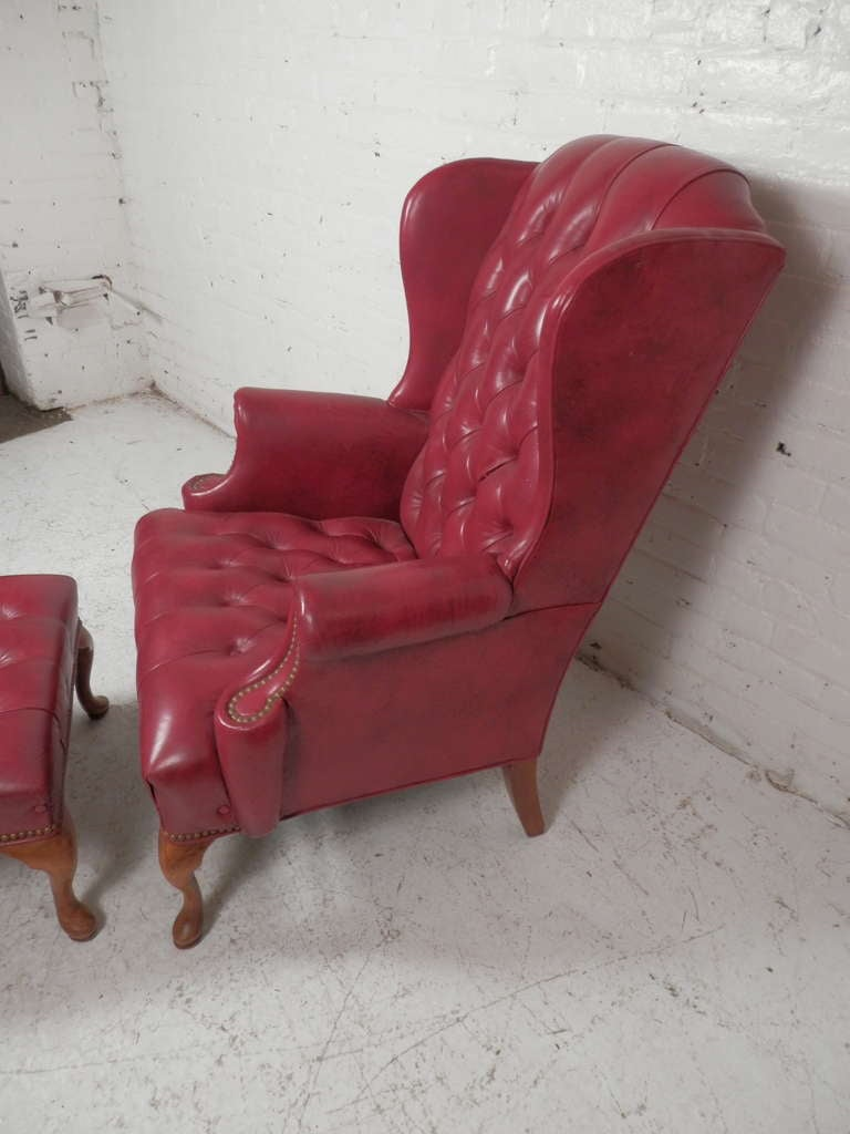 Tufted Wingback Chair w/ Ottoman In Excellent Condition For Sale In Brooklyn, NY