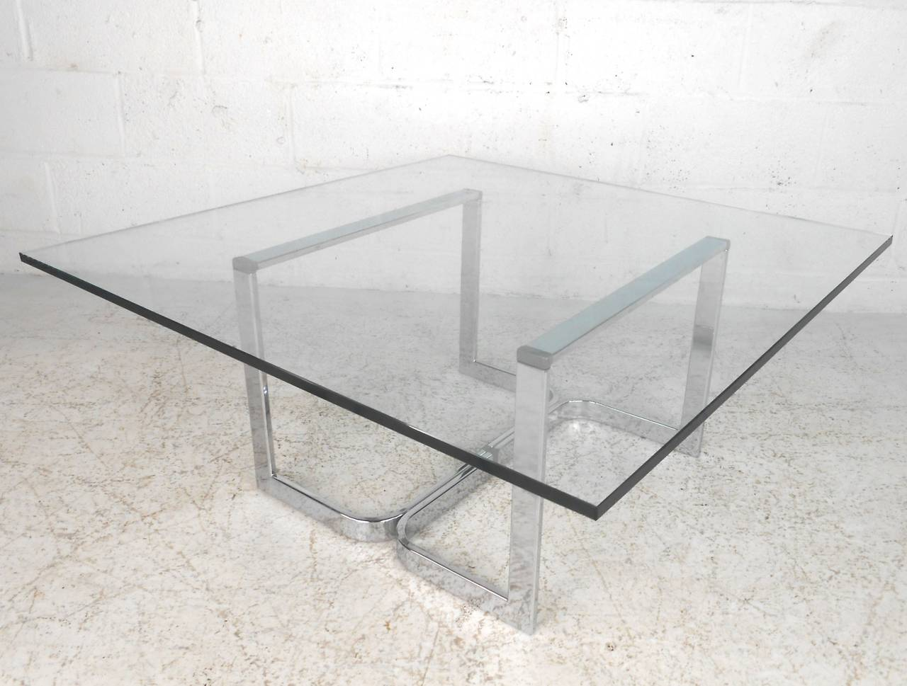 Mid-Century Modern Vintage Modern Chrome and Glass Coffee Table For Sale