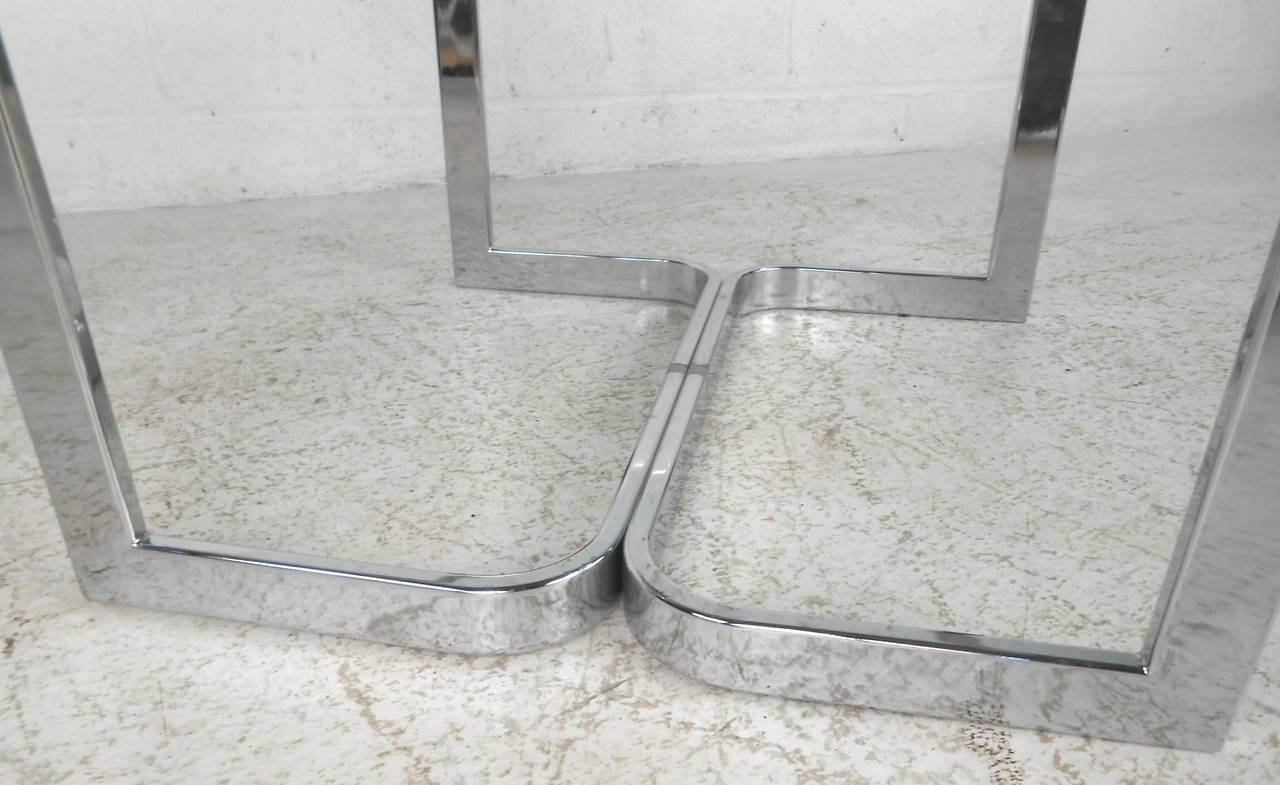 Vintage Modern Chrome and Glass Coffee Table For Sale 1