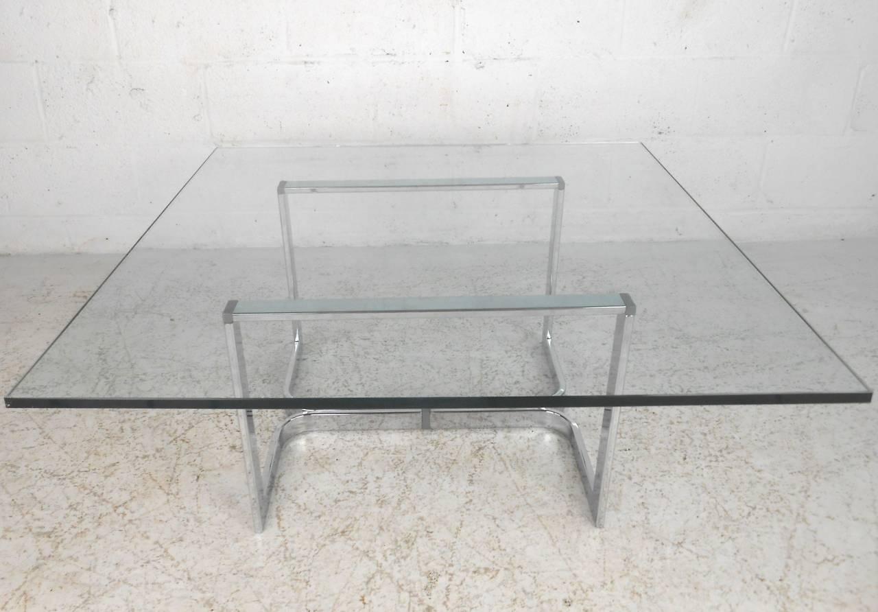 Vintage Modern Chrome and Glass Coffee Table In Good Condition For Sale In Brooklyn, NY