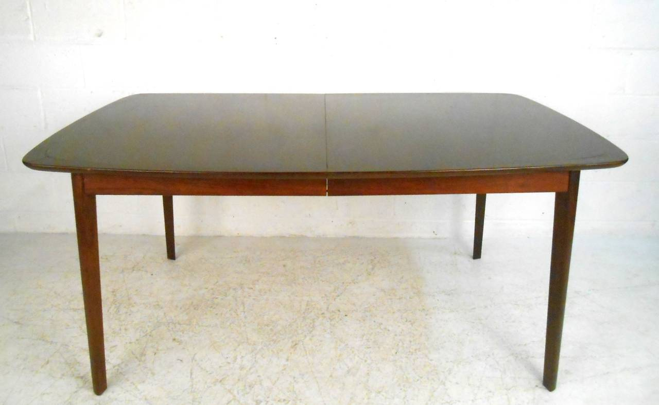 Unique mid century modern dining set table with high back for Unusual dining sets