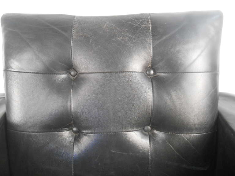 Mid-20th Century Pair of Mid-Century Modern Leather Lounge Chairs For Sale