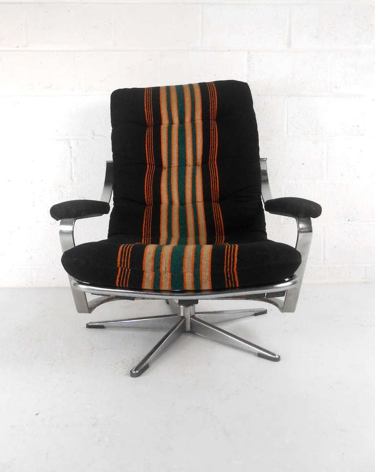 Unique Mid Century Swivel Lounge Chair At 1stdibs