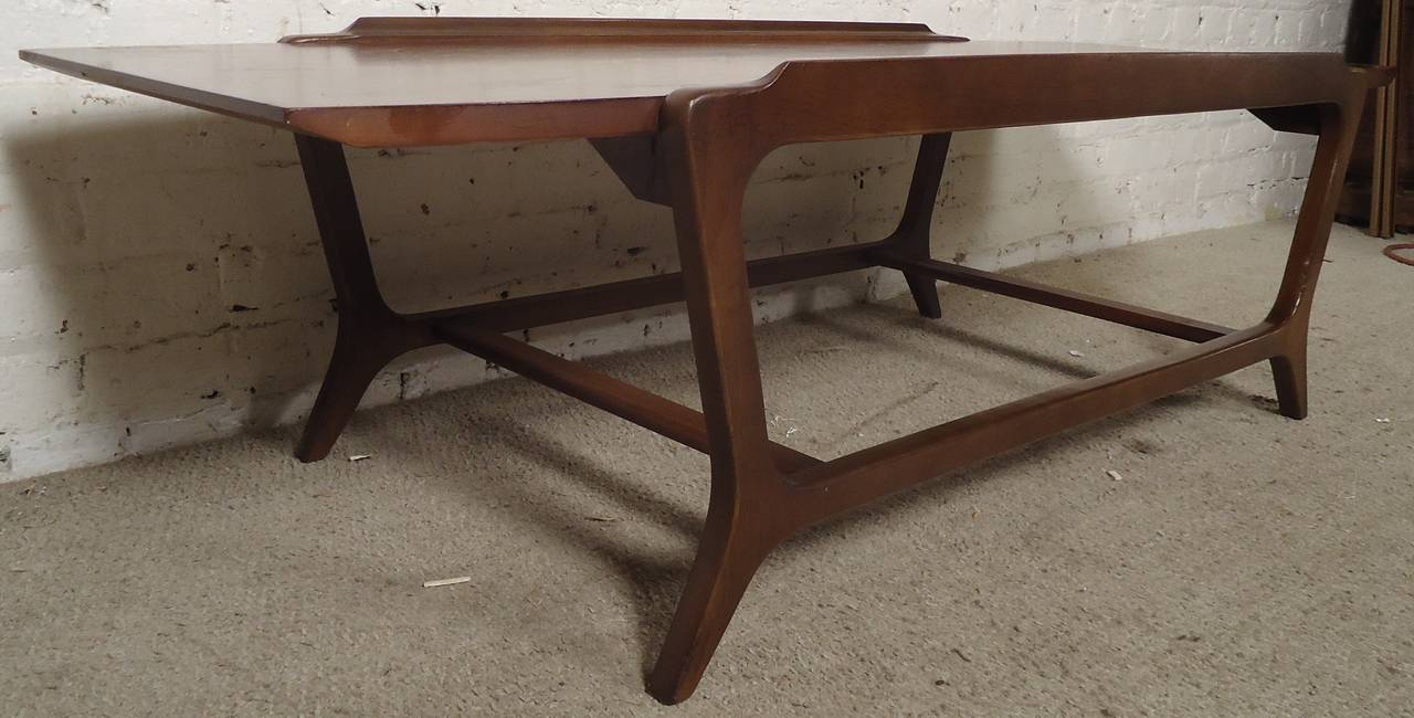 Outstanding MidCentury Walnut Coffee Table by Lane For Sale at