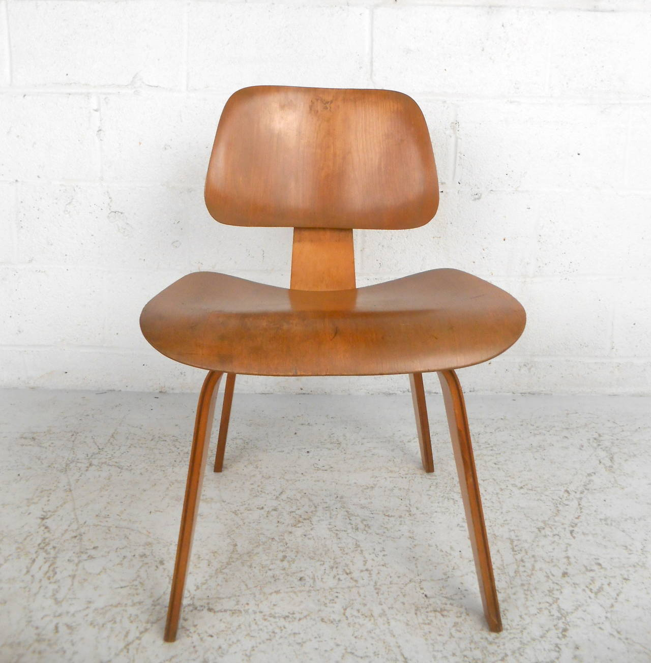 midcentury dcw charles eames wood lounge chair for sale at 1stdibs