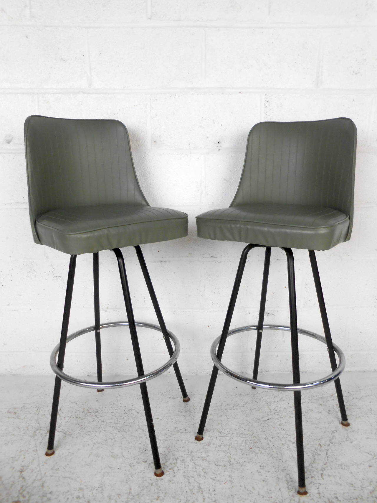 midcentury modern bar stools by atlas at stdibs - midcentury modern bar stools by atlas