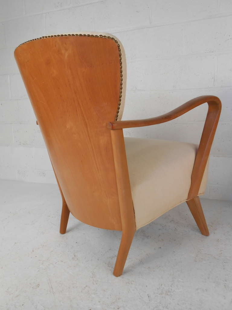 Pair maple lounge chairs at 1stdibs for Arp arredamenti