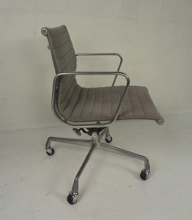 herman miller eames office chair at 1stdibs