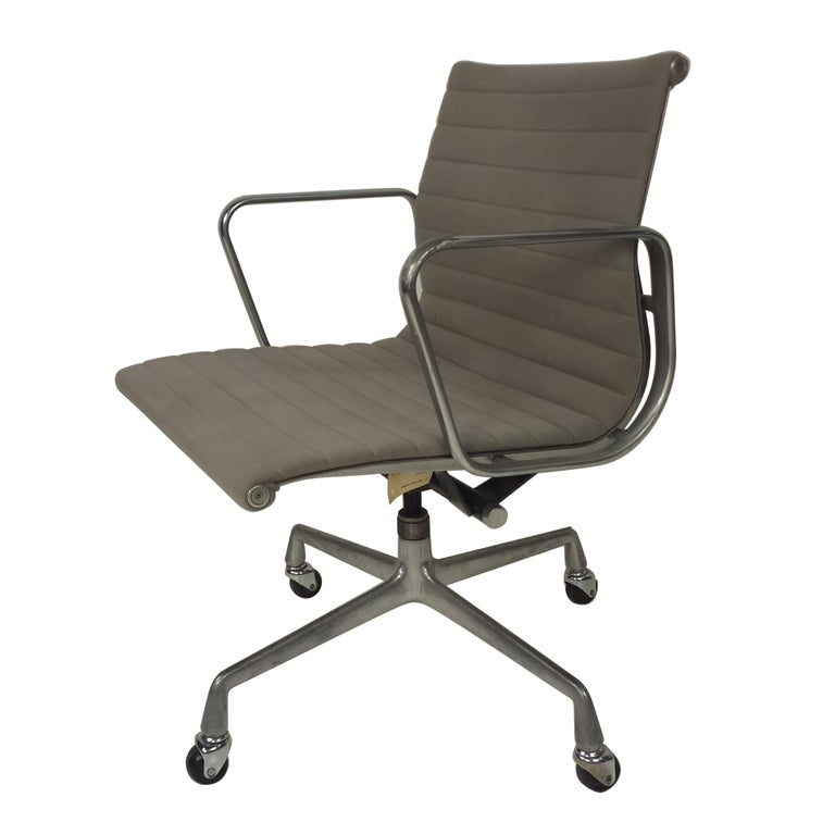 Herman miller eames office chair at 1stdibs - Herman miller chair eames ...