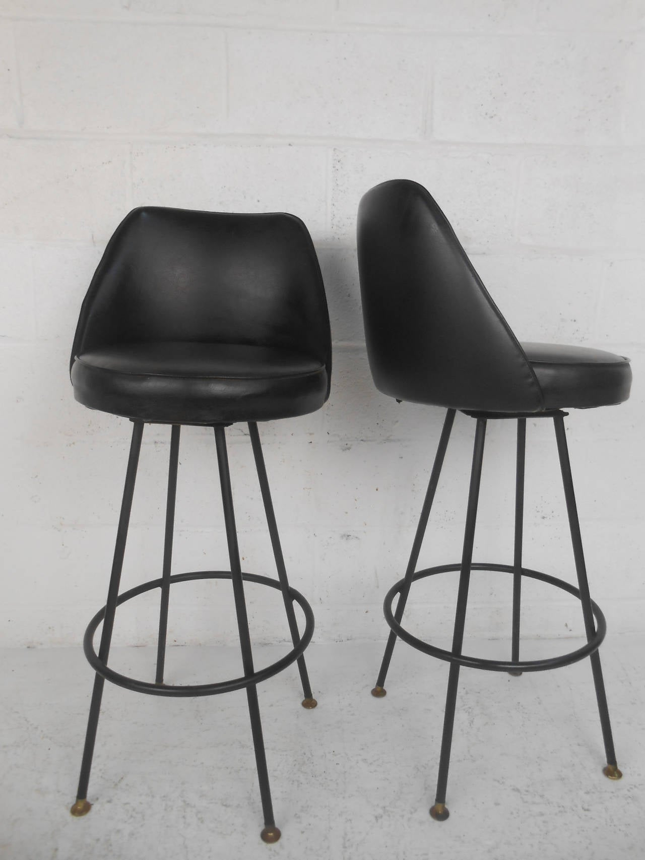 Four Vintage Swivel Bar Stools Featuring Vinyl Upholstered Seats Sy Metal Bases And Br Ced