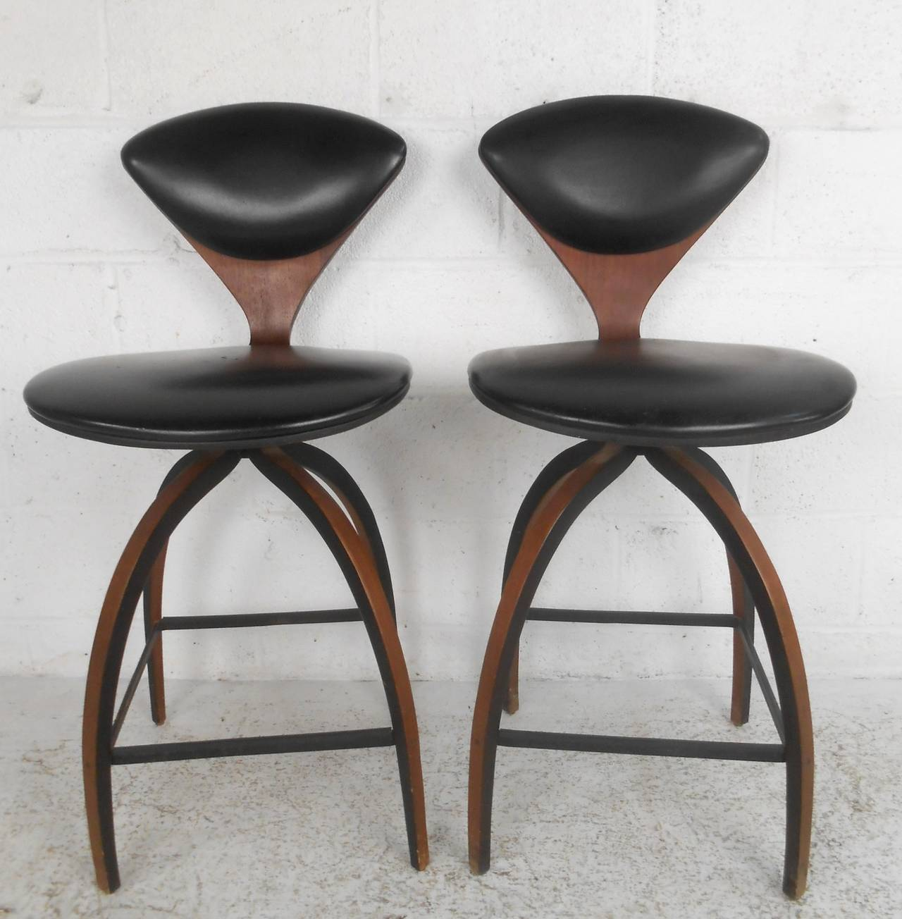 Pair Of Mid Century Modern Plycraft Bar Stools By Norman
