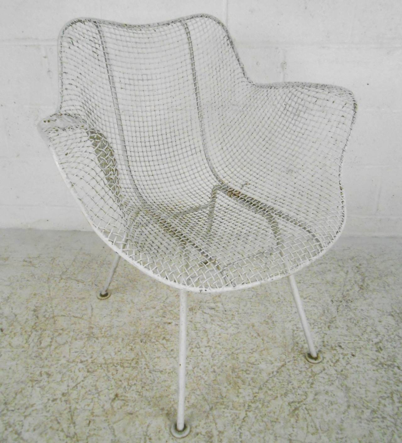 Russell Woodard Sculptura Patio Chairs In Good Condition For Sale In Brooklyn, NY