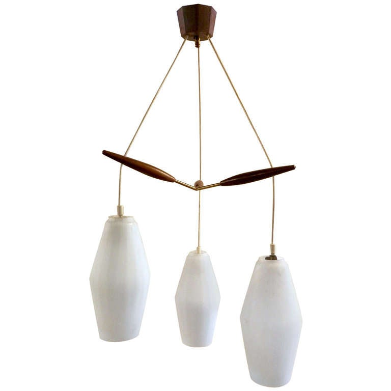Luxus style mid century modern pendant lamp at 1stdibs for Mid century modern pendant light fixtures