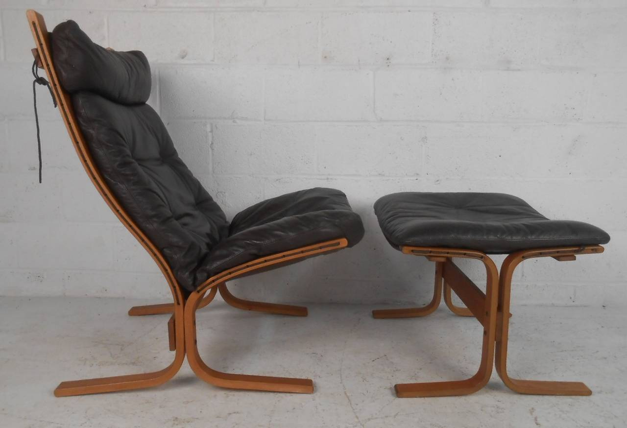 Westnofa Quot Siesta Quot Chair And Ottoman At 1stdibs
