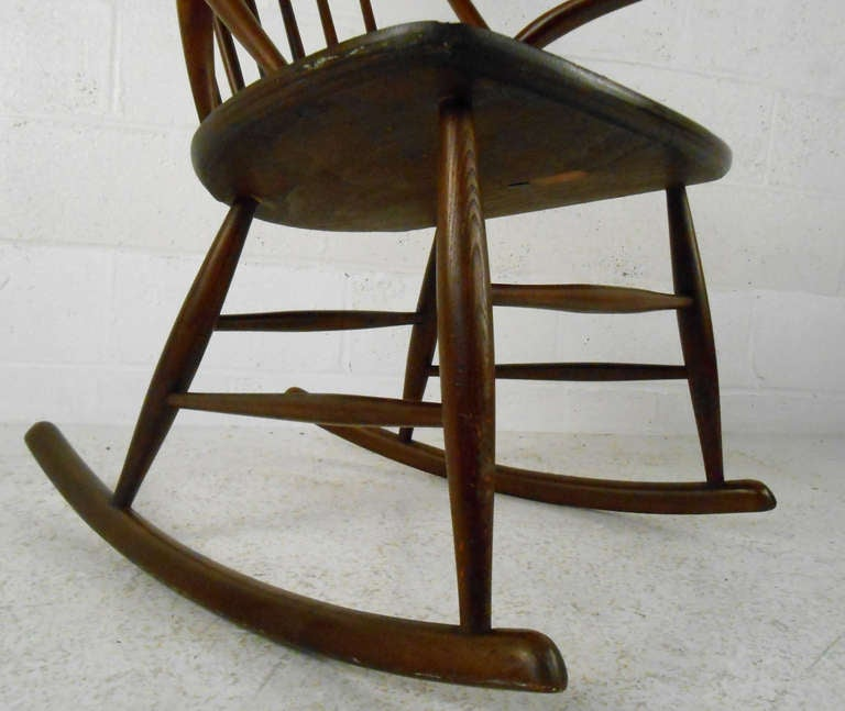 Illum Wikkelso Rocking Chair In Good Condition For Sale In Brooklyn, NY