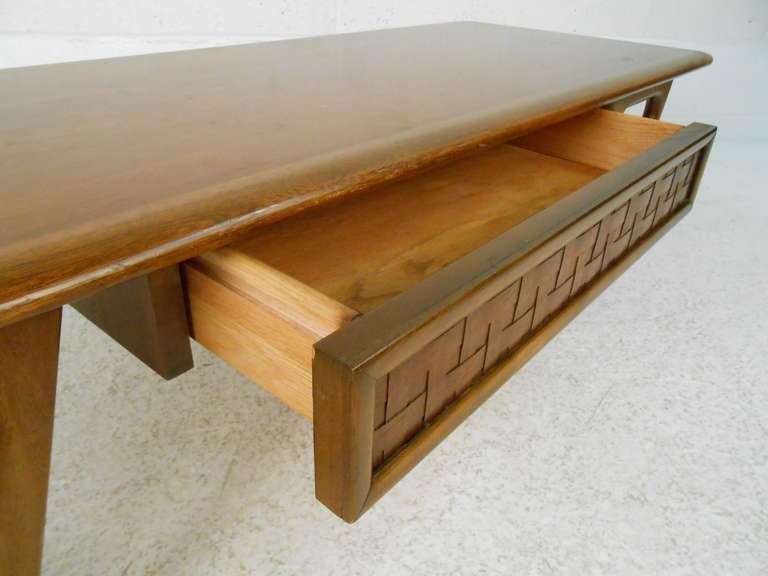 American Vintage Walnut Coffee Table by Warren Church for Lane For Sale