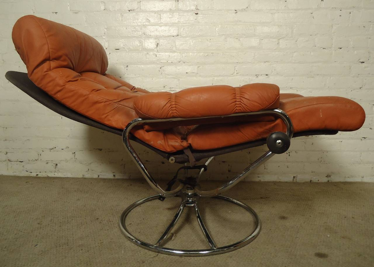 Awesome Mid Century Reclining Chair And Ottoman By Ekornes Stressless For Sale 2