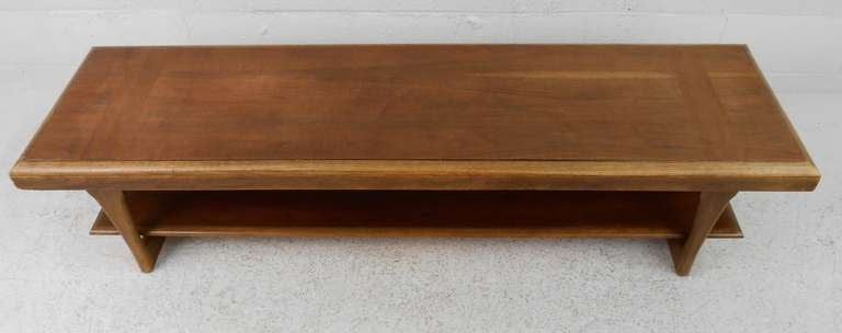 American Mid-Century Modern Walnut and Oak Coffee Table by Lane For Sale