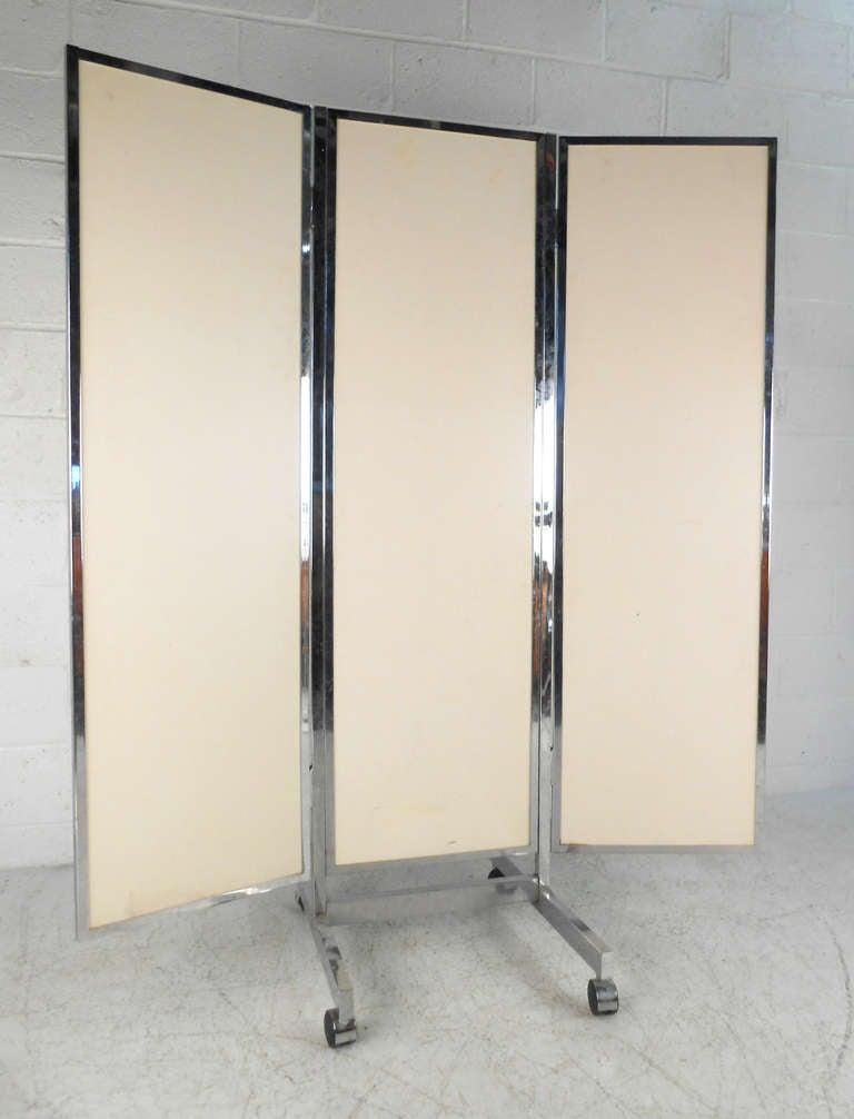 vintage mid century modern three panel dressing mirror at 1stdibs. Black Bedroom Furniture Sets. Home Design Ideas