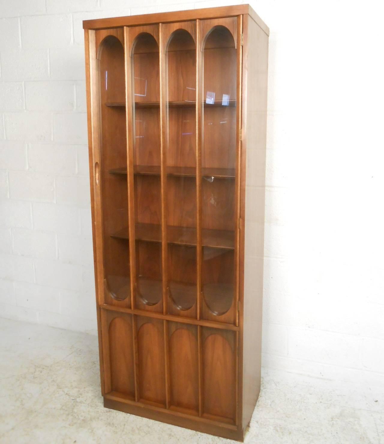 Mid Century Modern Broyhill Brasilia Curio Display Cabinet