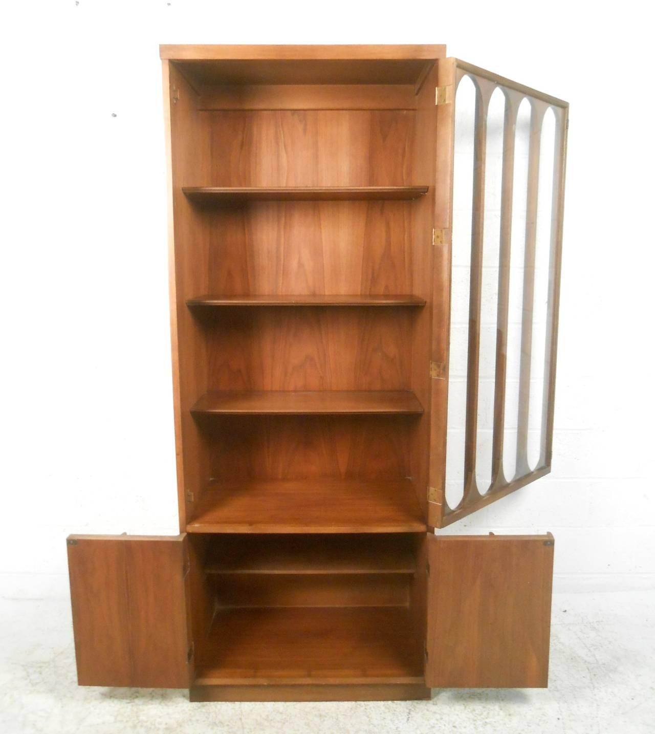 Mid Century Modern Broyhill Brasilia Curio Display Cabinet 3