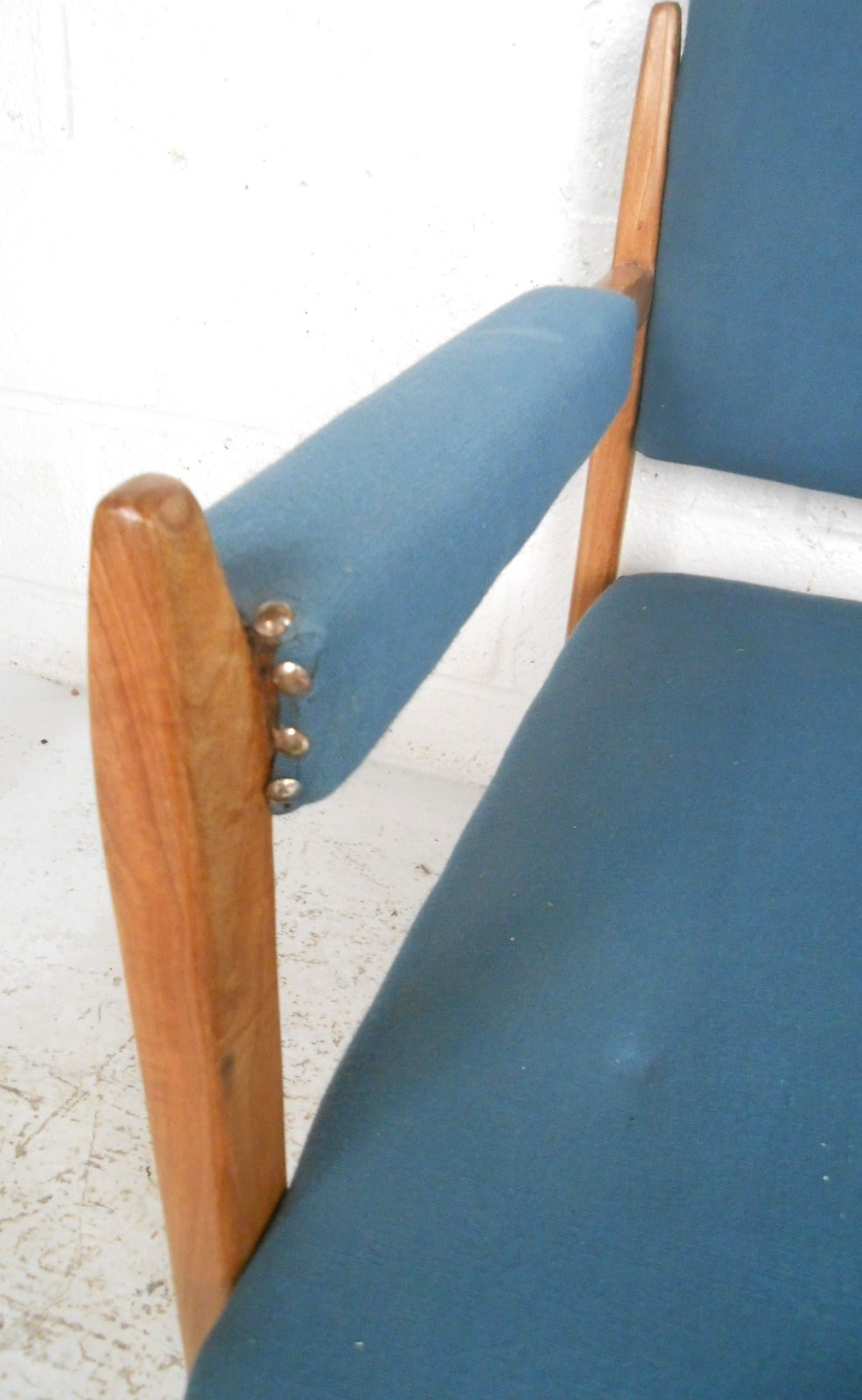Pair of Vintage Modern Armchairs For Sale 3