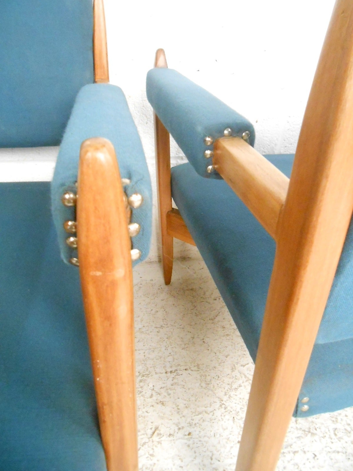 Pair of Vintage Modern Armchairs For Sale 1
