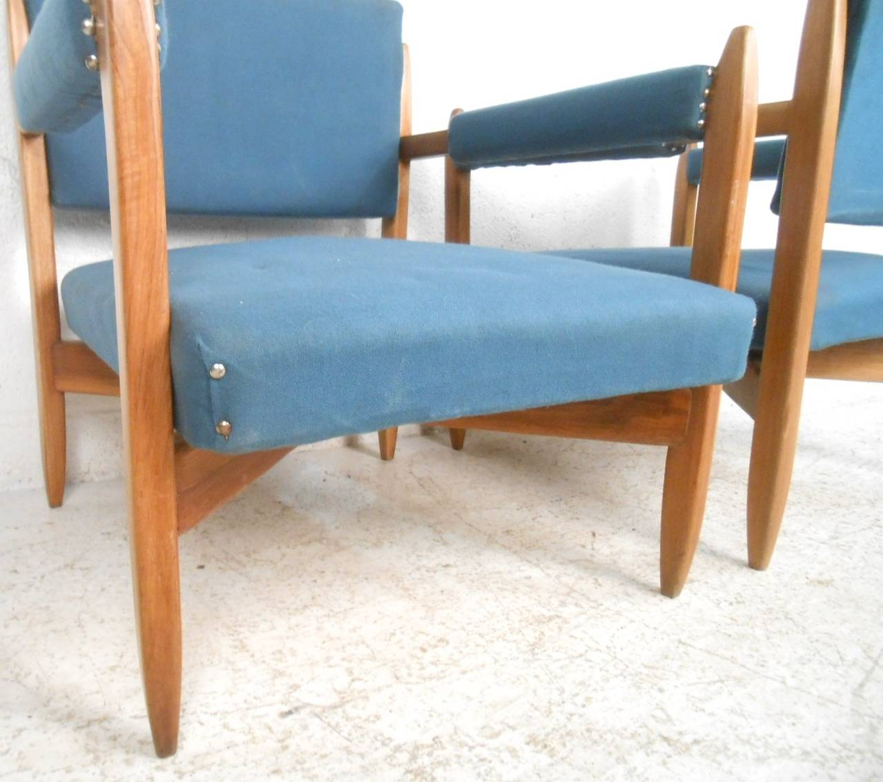 Mid-20th Century Pair of Vintage Modern Armchairs For Sale