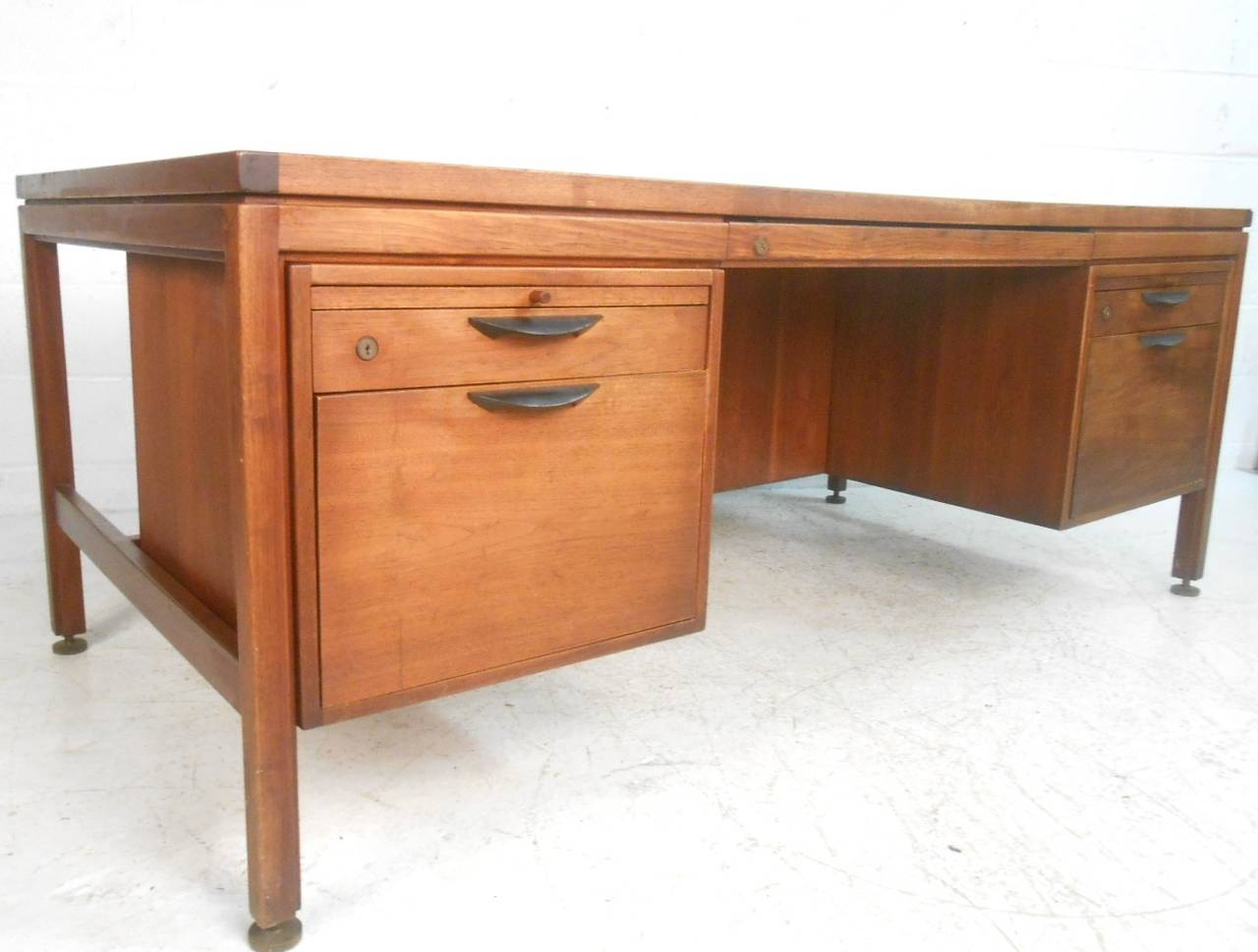 This Mid-Century Modern Executive Desk by Jens Risom is no longer