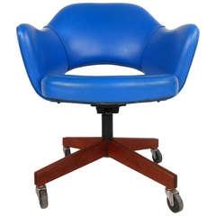 Eero Saarinen Number 71 Executive Desk Chair