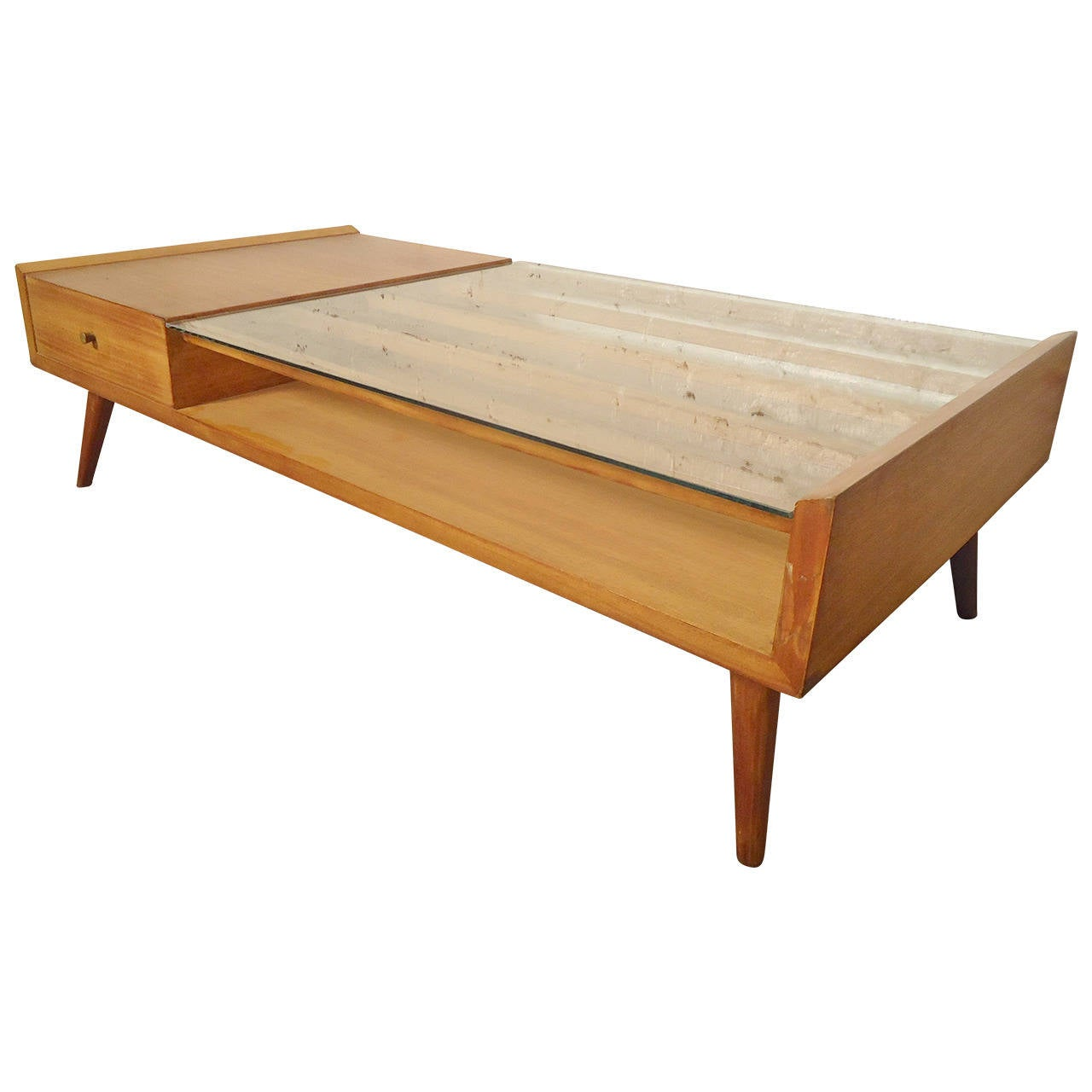 Unusual mccobb style coffee table at 1stdibs for Coffee tables quirky