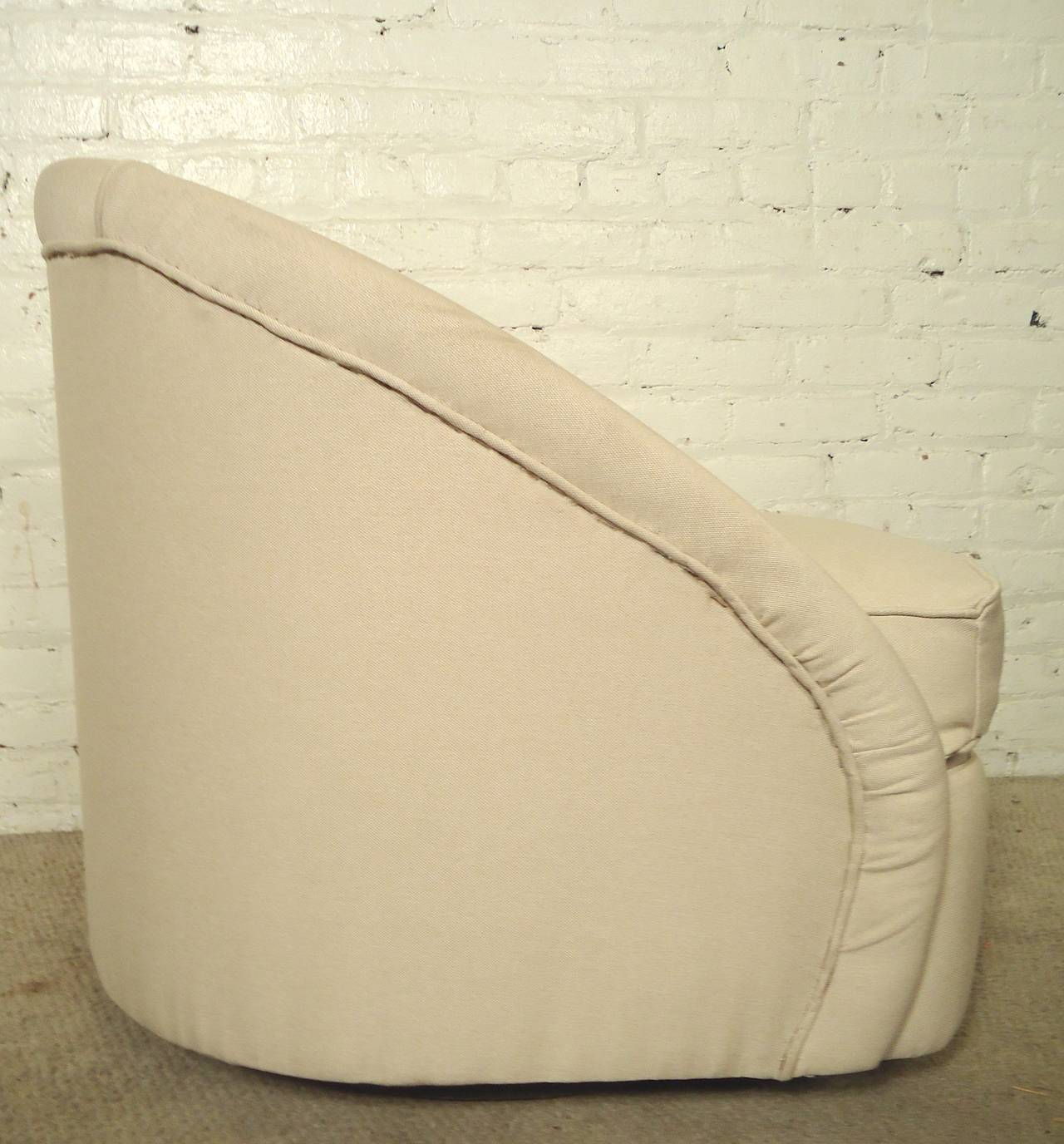 Mid-20th Century Mid-Century Modern Swivel Club Chairs For Sale
