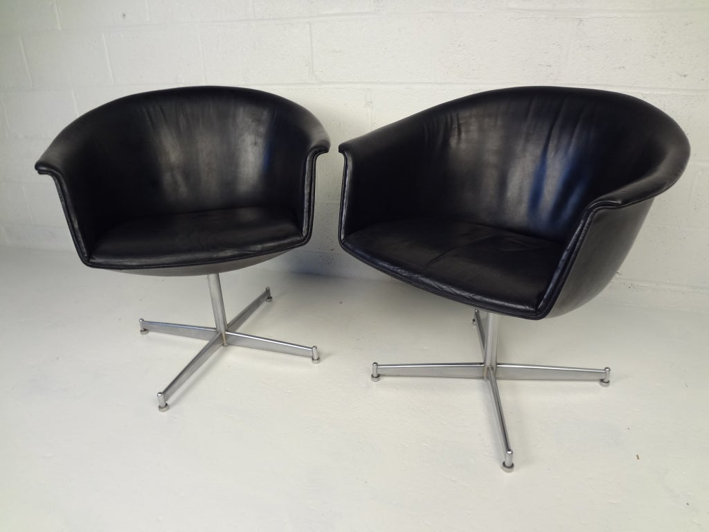 this pair of 60s vintage danish swivel chairs by kastholm is no longer