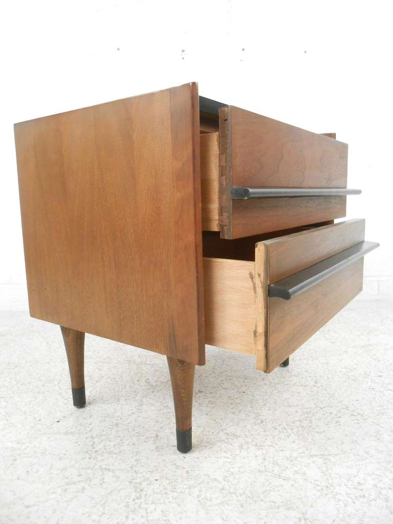 American of martinsville mid century modern nightstand for for Modern nightstands for sale