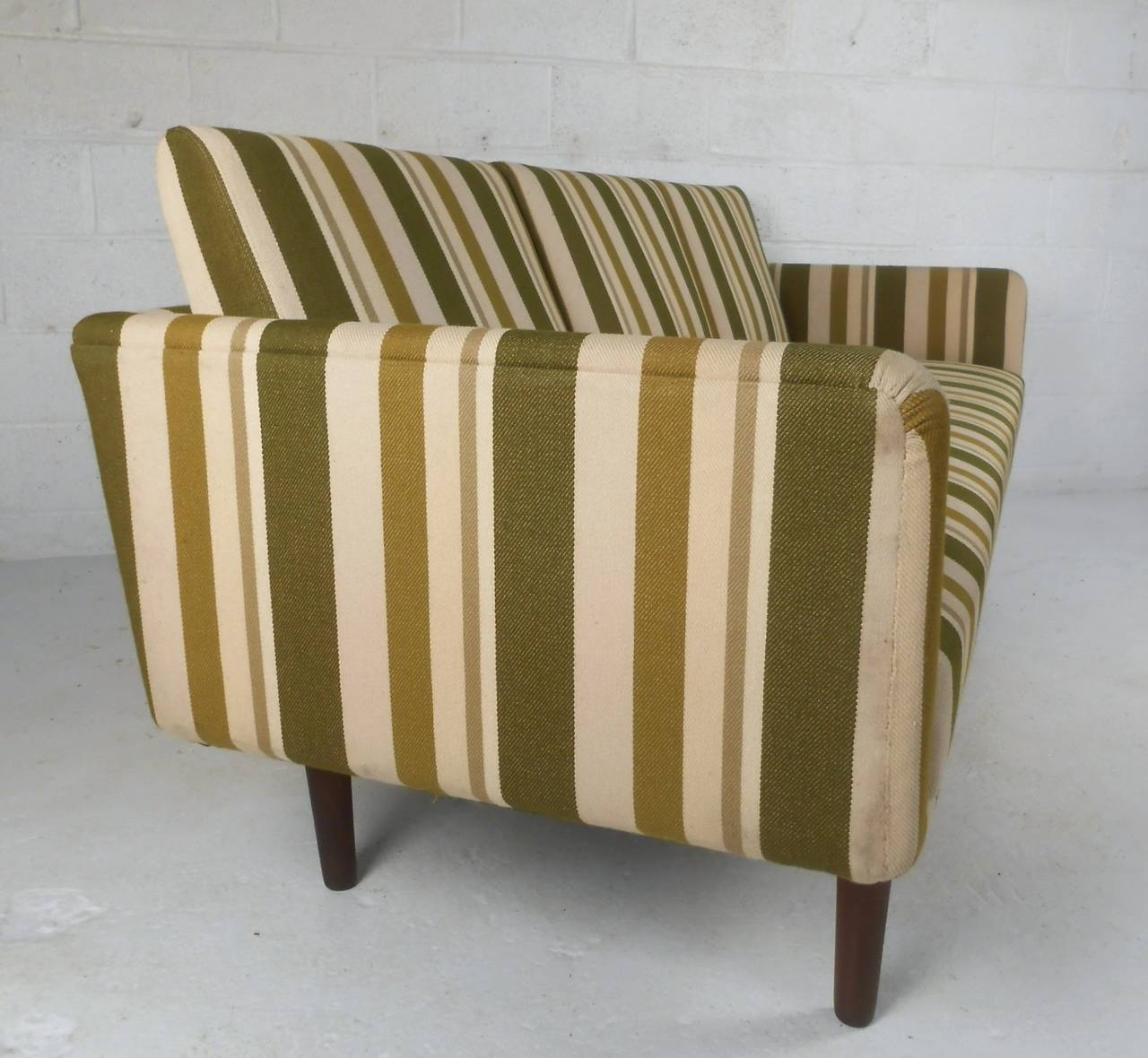 Large Danish Modern Sofa after Børge Mogensen In Good Condition For Sale In Brooklyn, NY