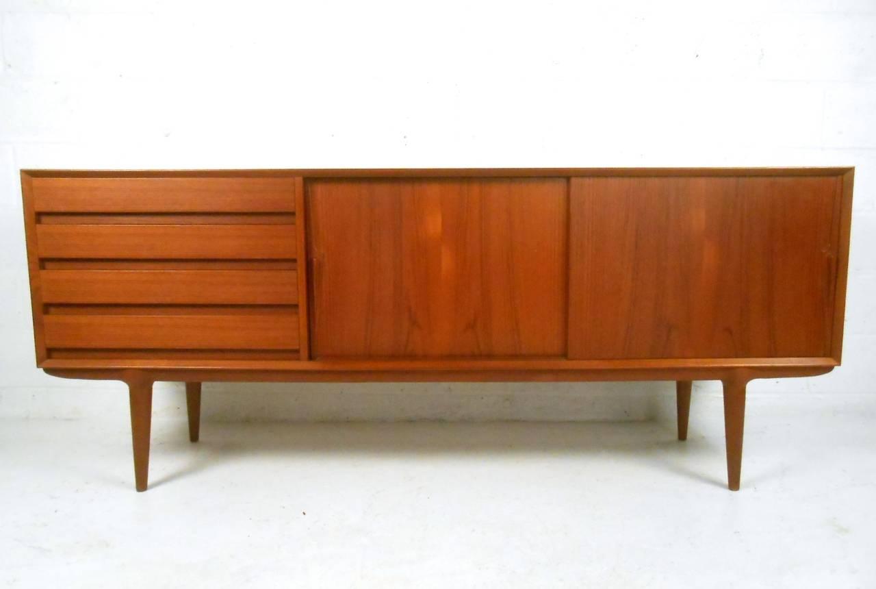 Modern sideboard mid century modern sideboard home design for Sideboard holz modern