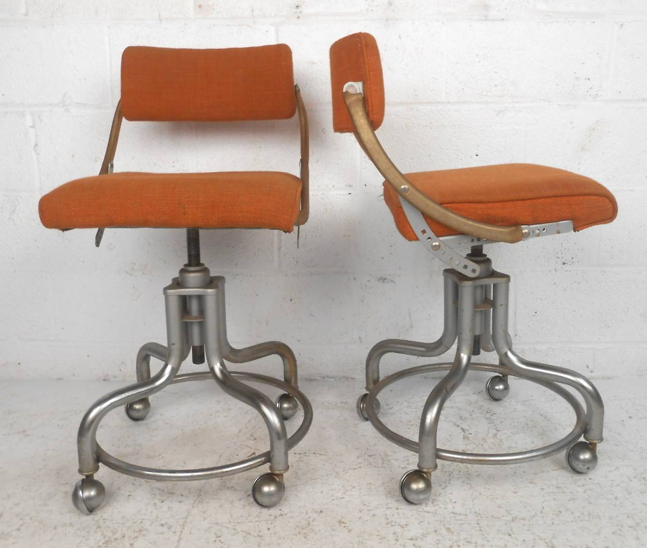 Pair Of Midcentury Rolling Chairs By Domore At 1stdibs