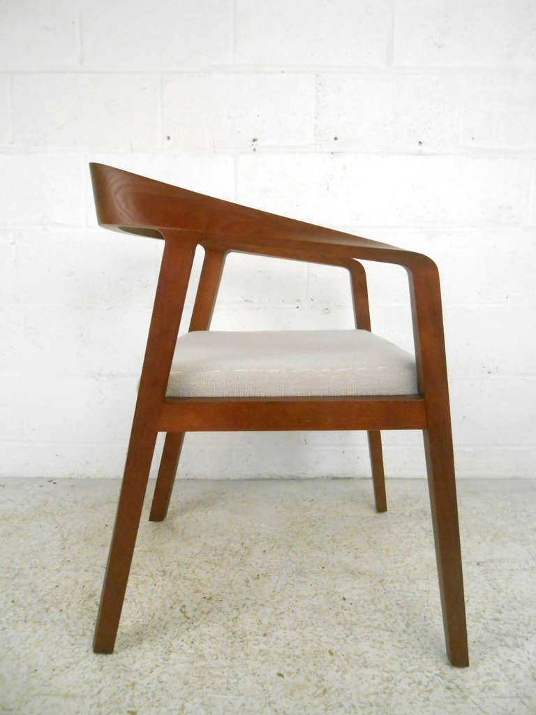 Mid Century Modern Full Twist Guest Chair From Herman