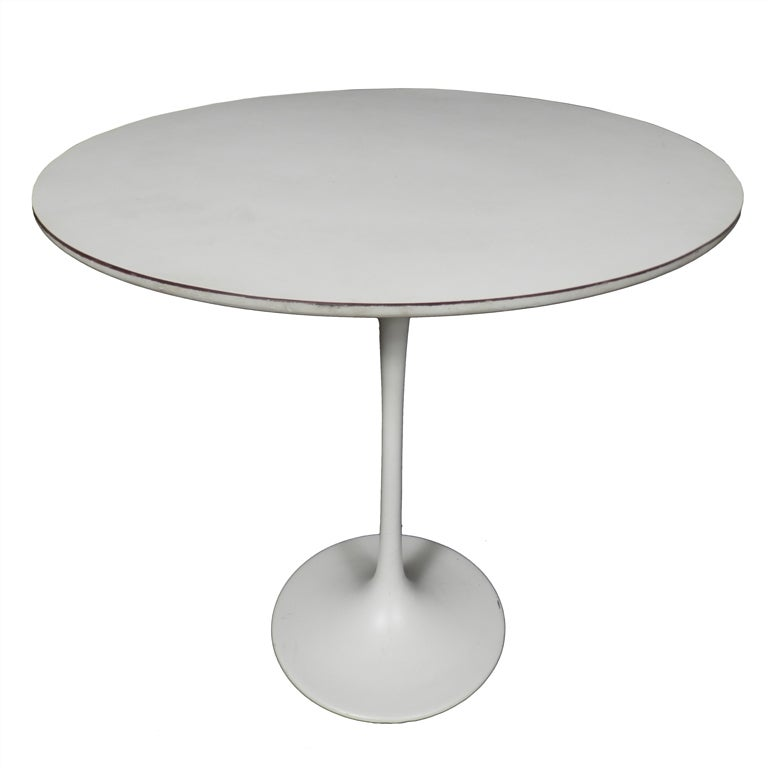Vintage Modern White Saarinen Side Table