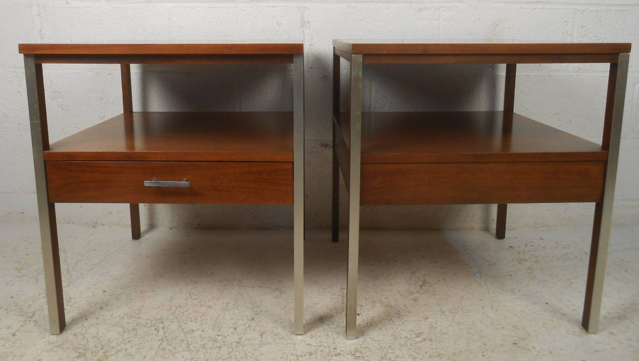 Paul McCobb Mid-Century Modern Nightstands For Sale at 1stdibs
