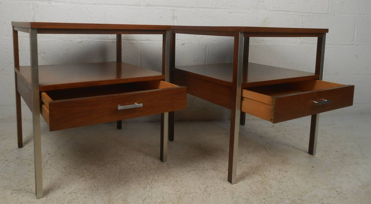 Paul mccobb mid century modern nightstands for sale at 1stdibs for Modern nightstands for sale
