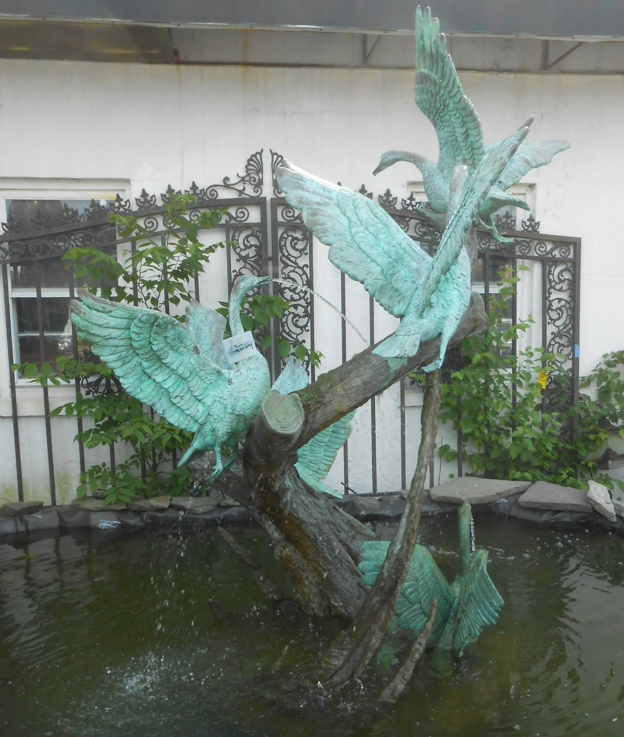 Sculptural Bronze Fountain with Flock of Birds In Good Condition For Sale In Brooklyn, NY