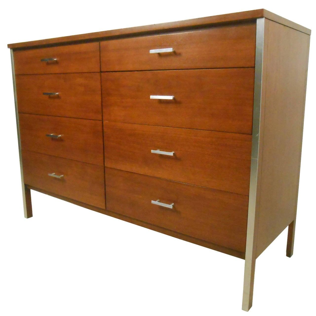 Paul McCobb Eight-Drawer Dresser for Planner Group