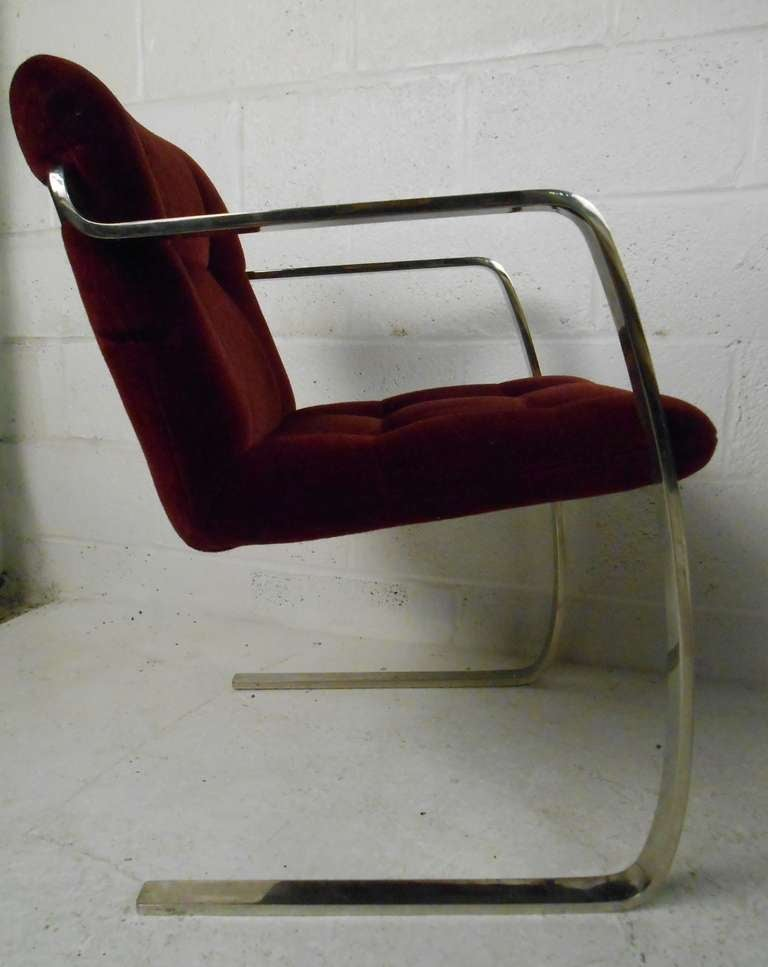 Late 20th Century Set of Vintage Modern Dining Chairs For Sale