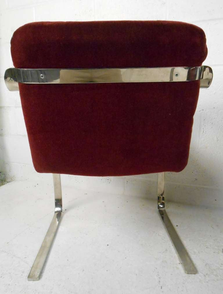 Set of Vintage Modern Dining Chairs In Good Condition For Sale In Brooklyn, NY