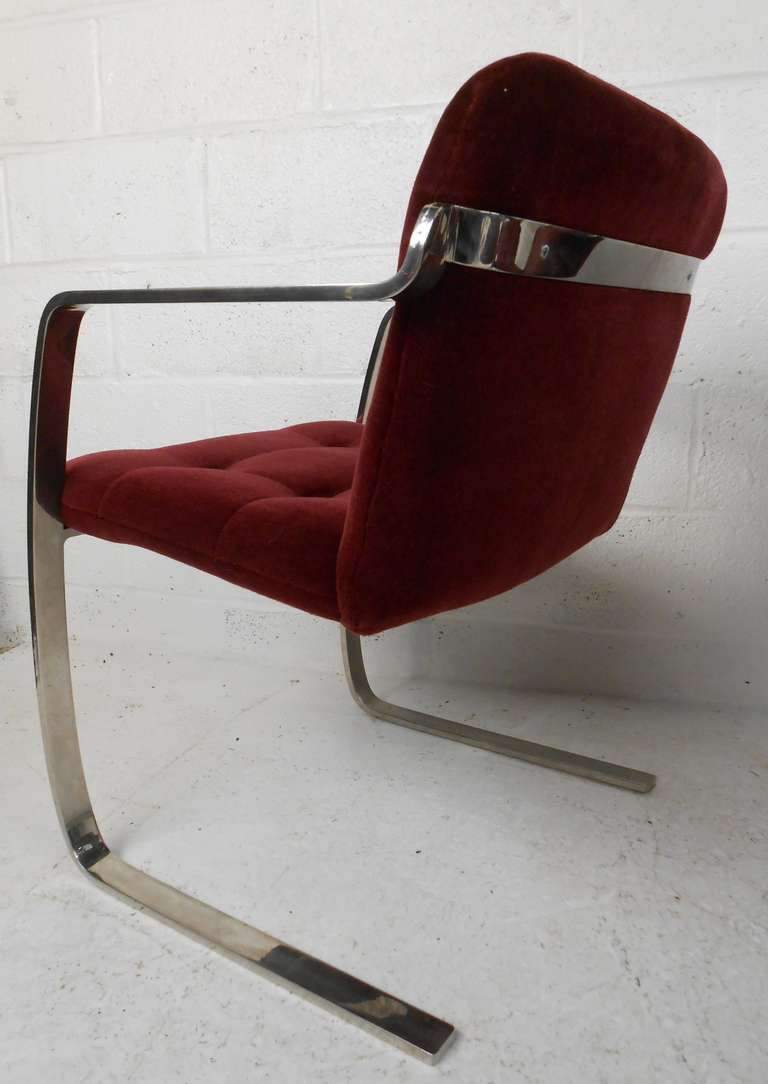 American Set of Vintage Modern Dining Chairs For Sale